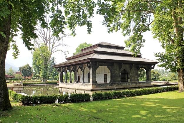 Main pavilion in Mughal garden at Shalimar Bagh, Srinagar, Jammu & Kashmir, India