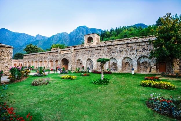 Pari Mahal or The Fairies Abode is a seven terraced garden in Srinagar (2)