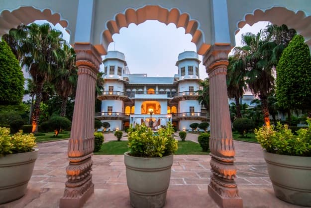 Heritage Hotels in Madhya Pradesh Where You can Experience the Royal Life