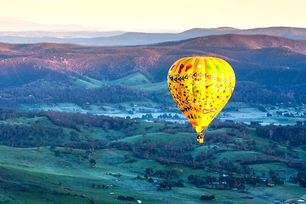 Victoria landscape with hot air balloon