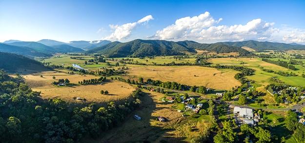 Australia aerial phot Mitta Mitta Valley