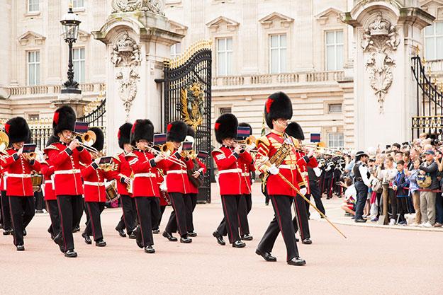 Guard change photo England