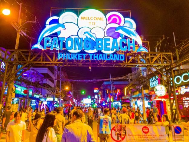 Kết quả hình ảnh cho chợ đêm Bazaar tại Phukhet