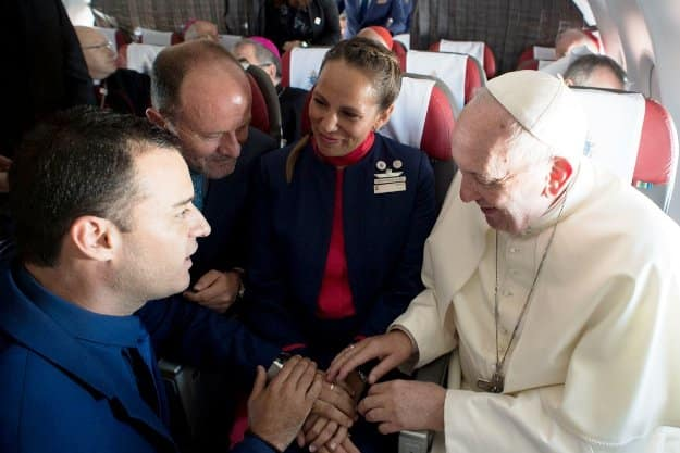 This Couple Got Married on a Fight Over Chile, By the Pope!