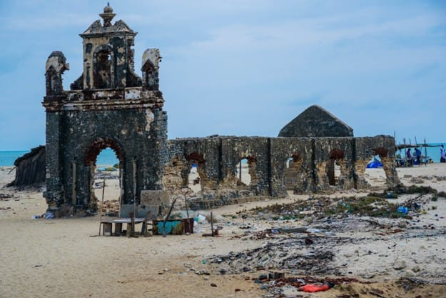 Dhanushkodi is an abandoned town at the south-eastern tip of Pamban Island of the state of Tamil Nadu in India.An estimated 1,800 people died in the cyclonic storm on 22 December