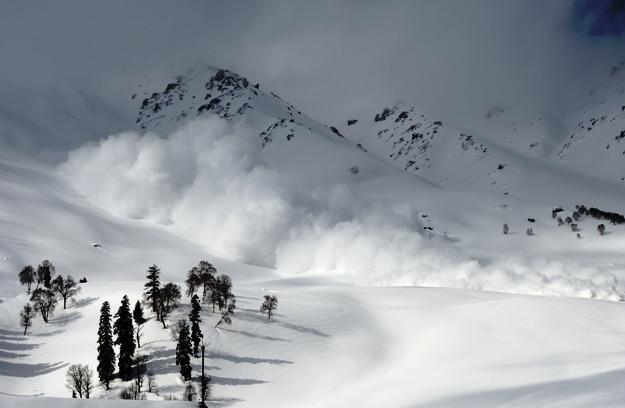Ski patrol-triggered avalanche near Gulmarg Gondola, Kashmir