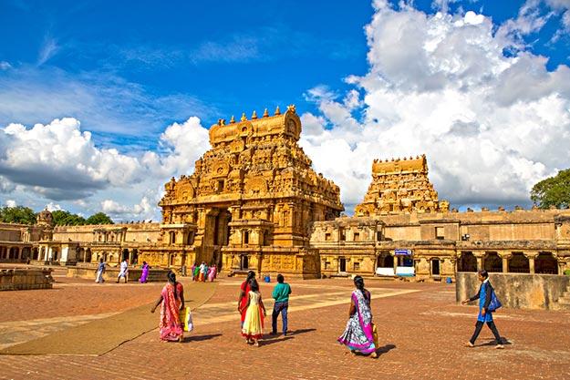 Brihadeeswara Temple in Thanjavur: 10 Marvelous Images of the Chola-Era Shrine