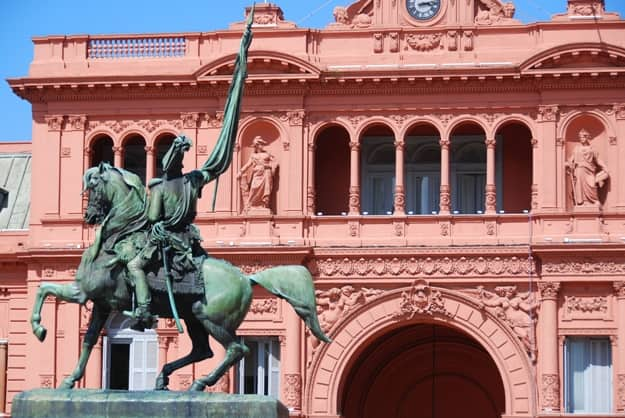General Belgrano monument in front of Casa Rosada (pink house) Buenos Aires Argentina.La Casa Rosada is the official seat of the executive branch of the government of Argentina