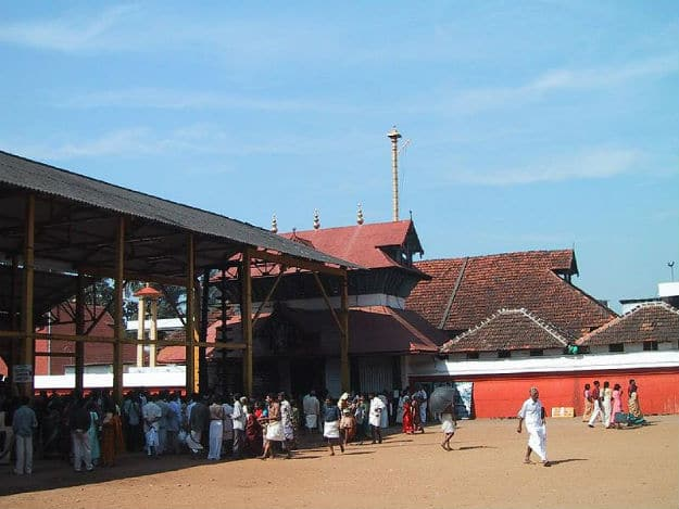 Guruvayur Temple in Kerala: Interesting Facts and Photos of the Ancient Krishna Temple