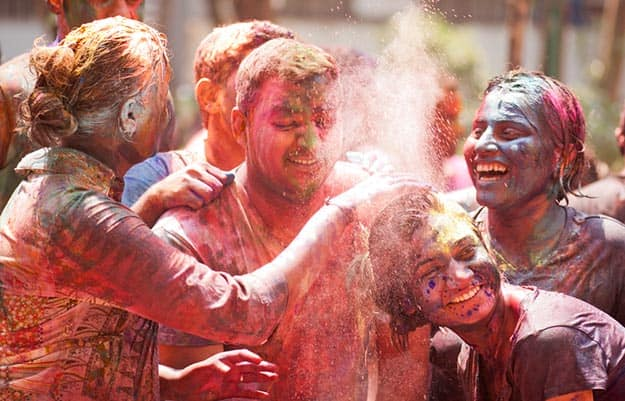 Holi 2018 Celebration in Maharashtra: Vibrant Photos of Holi in Mumbai and Other Cities