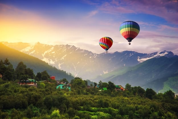 Hot balloon air over Manali, India