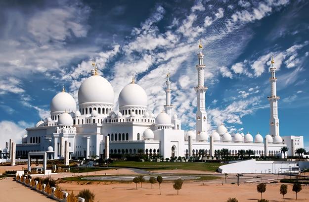 Breathtaking Photos of Sheikh Zayed Grand Mosque in Abu Dhabi