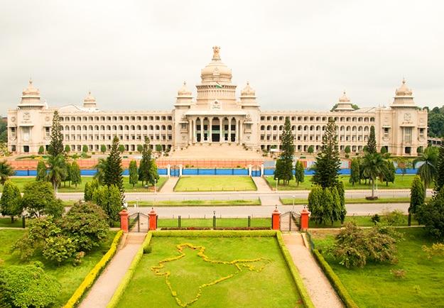 Vidhan Soudha Images: 10 Amazing Photos of Bangalore's Magnificent Parliament Building