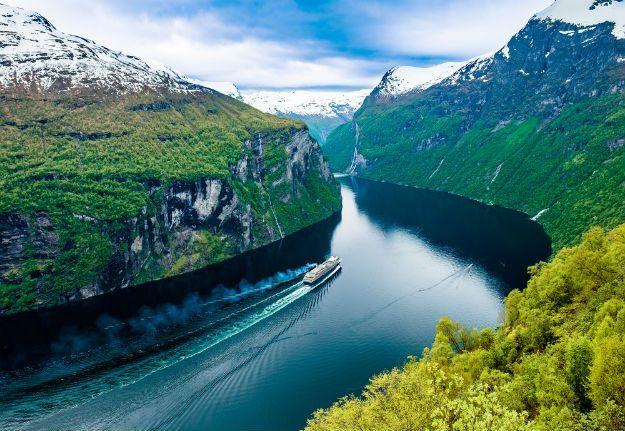 Geiranger Fjord photo 1