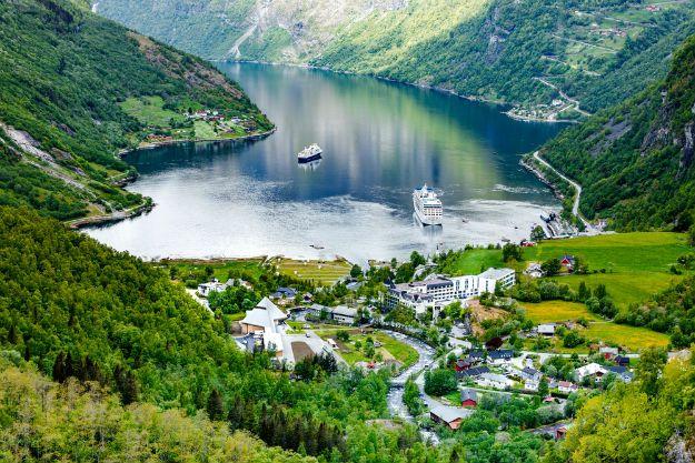 Geiranger Fjord photo 10