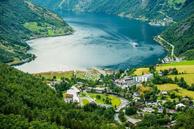 Geiranger Fjord photo 19