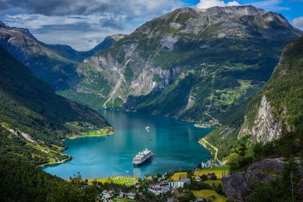 Geiranger Fjord photo 4