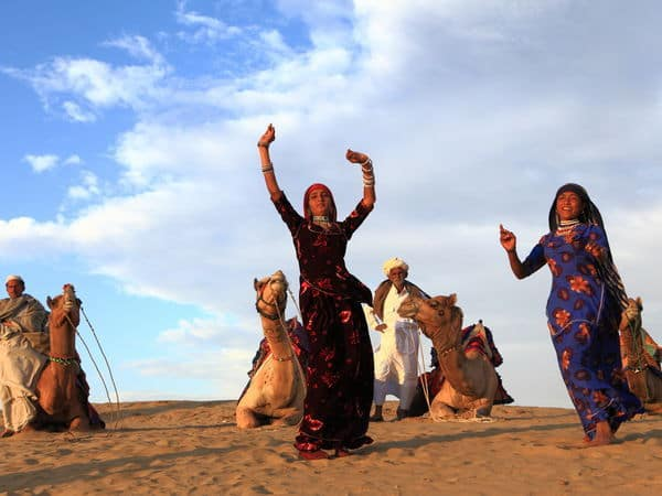 Cultural Dance in Sam sand dunes near Jaisalmer - Jaisalmer - Rajasthan