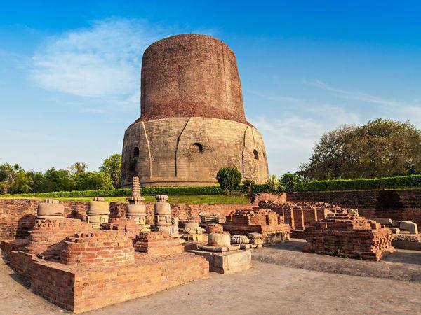 Dhamek Stupa At Sarnath Sarnath Uttar Pradesh Photos Of Sarnath Pictures Of Famous Places