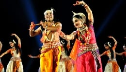 Konark Dance and International Sand Art Festival is about the only reason you need to be in Odisha