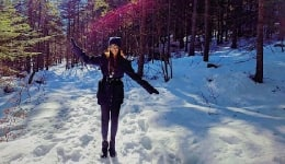 Sonam Kapoor went to Austria and came back with these snowy photos