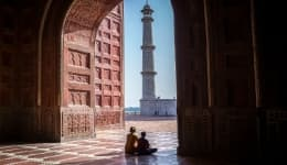 This Indian photographer unknowingly started a foreign couple's love story at the Taj Mahal