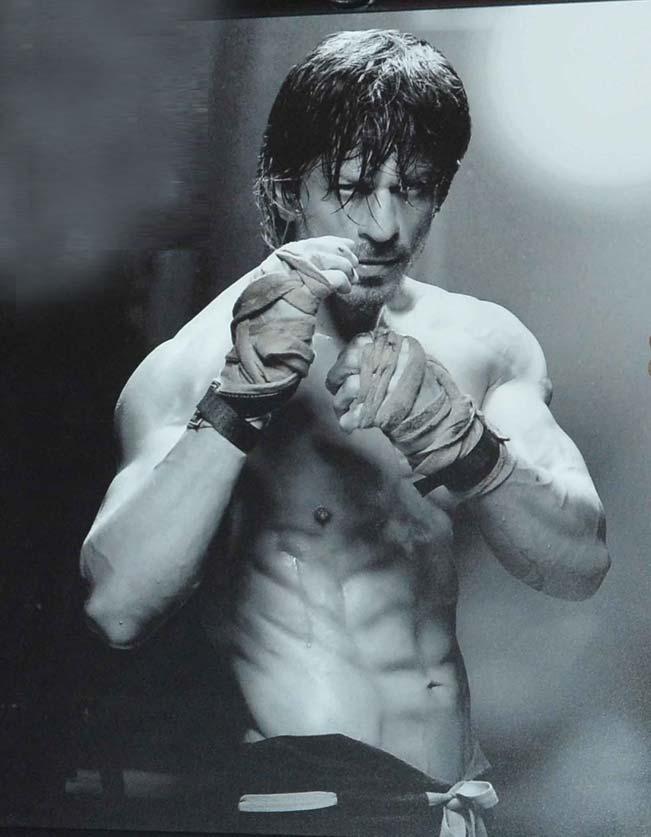 Watch Shah Rukh, Anushka and Aishwarya in Daboo Ratnani's new calender ...