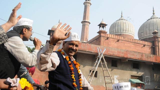 Arvind-Kejriwal-campaigning-3