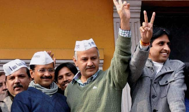 Arvind-Kejriwal-with-AAP-members