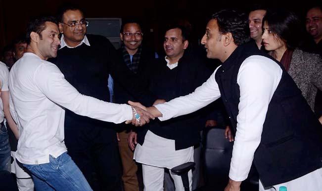 Akhilesh Yadav defends Bollywood extravaganza, says he's like Julius Caesar