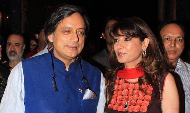 Shashi-Tharoor-and-Sunanda-Pushkar-3
