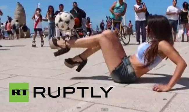 Video: Watch the Argentine supermodel who can do football tricks in high heels!