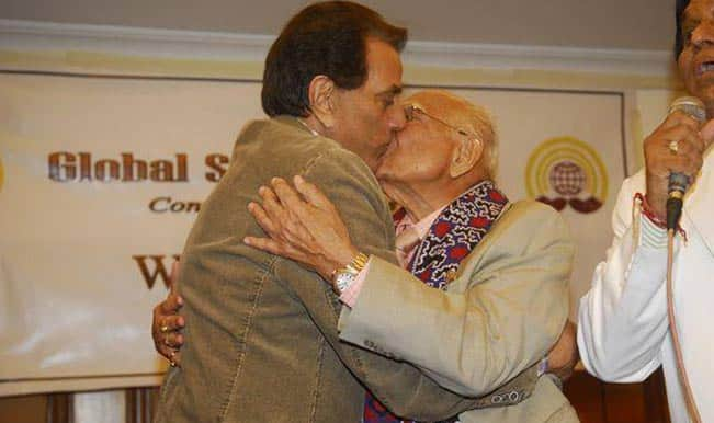 Dharmendra and Ram Jethmalani get it on!