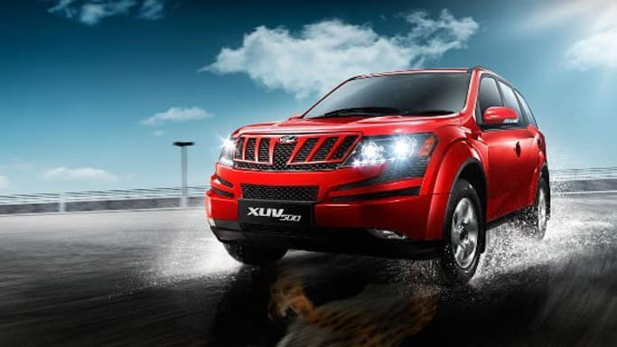 Mahindra-XUV500-W4-variant-launched