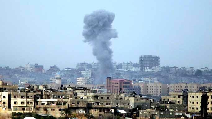 Syria: Air Strikes Kill Seven Civilians, Says War Monitor