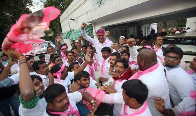 TRS-members-celebrate-Telangana-Bill-passage-2
