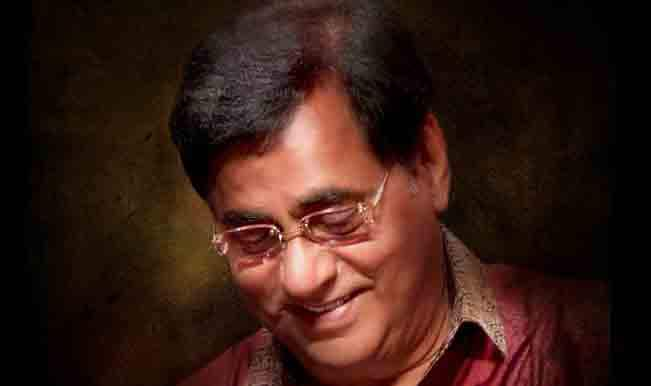 Jagjit Singh gets a commemorative stamp released by Prime Minister Manmohan Singh