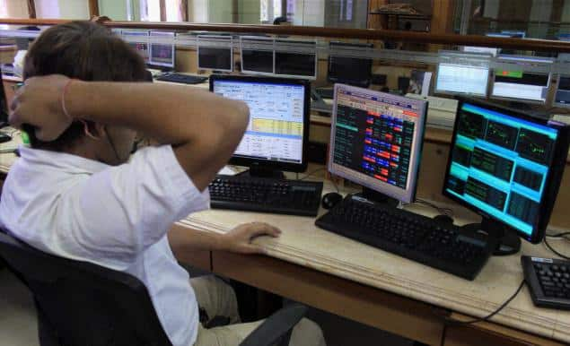 Sensex sheds 255 points; capital goods, banks slip