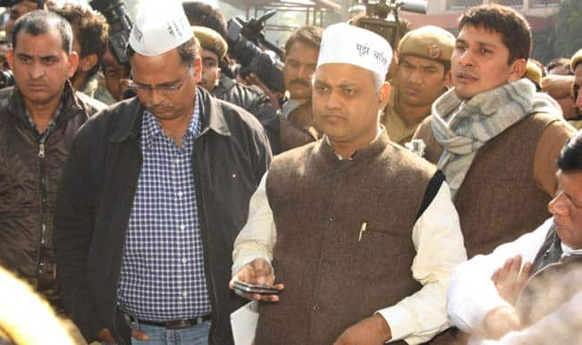 Delhi assembly session gets off to stormy start demanding Somnath Bharti's resignation