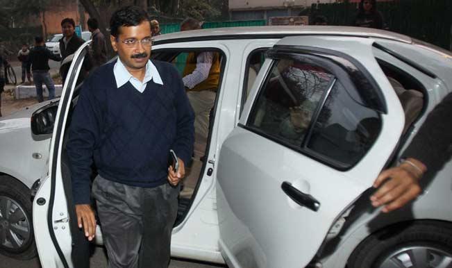 Arvind Kejriwal arrives in Gujarat to verify Narendra Modi's development claims
