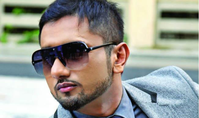 Birthday Boy Yo Yo Honey Singh flies to Dubai for a secret party
