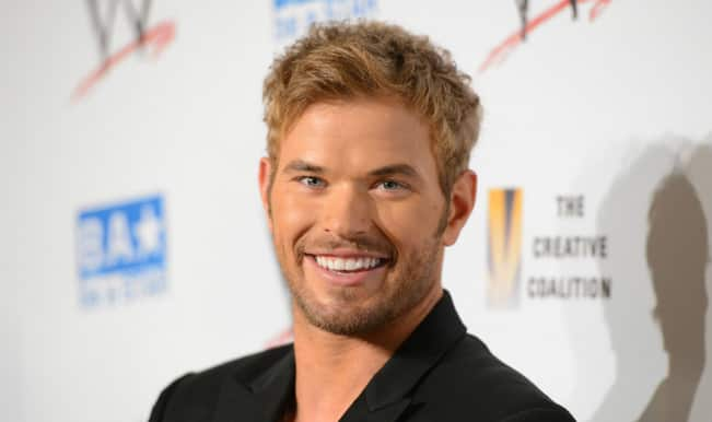 Kellan Lutz does 'Tarzan-style' chest bumps to amuse Australian girlfriend