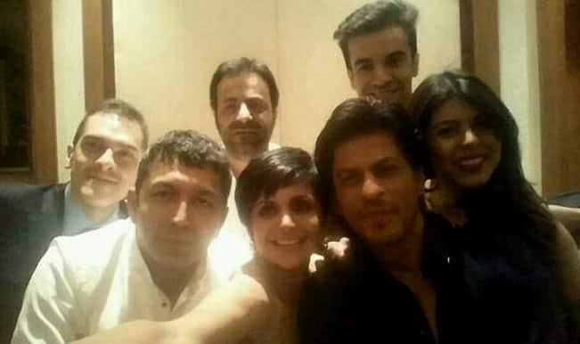 Shahrukh Khan catches Oscar Awards fever, shares selfie like Ellen DeGeneres