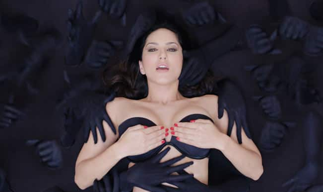 Sunny Leone -Ragini MMS 2 movie still2