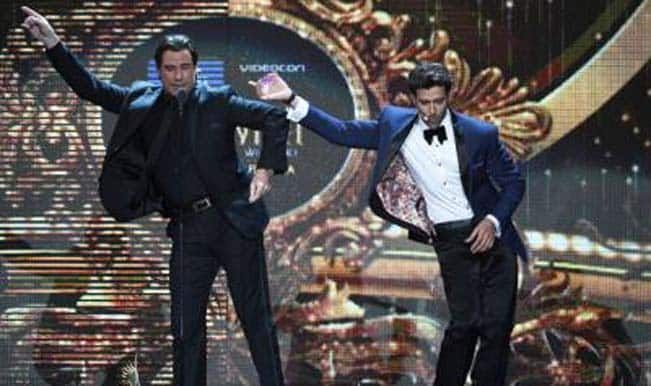 3) Hrithik Roshan and John Travolta doing some retro moves!