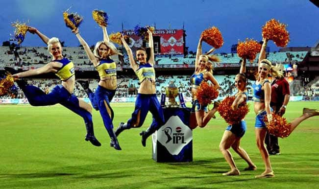 MI-and-CSK-Cheerleaders-performing-with-Champion-Cup-before-the-match-during-MI-vs-CSK-IPL-final-match-1