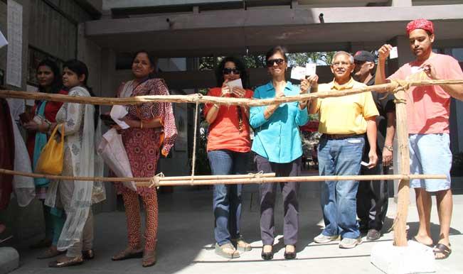 Uttar Pradesh braves rising mercury for 60 percent voting