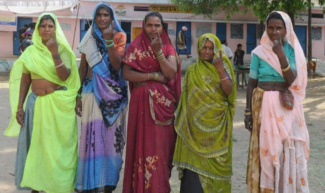 Voters in Uttar Pradesh turn up early to beat the heat