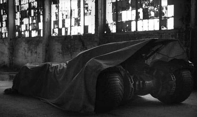 Batmobile picture for the Superman vs Batman movie teased