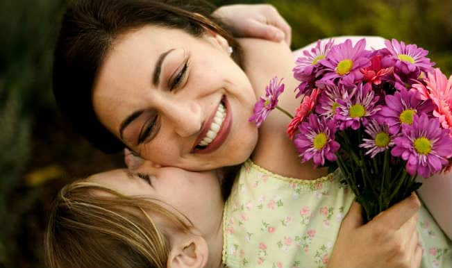 Mother's Day: 4 gift ideas that would mean world to her & cost you practically zero penny!